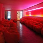 East Hotel Lounge, Schellackwand (2004)