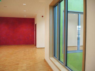 Farbkonzept mit Lasur, Schule Ilmer Barg, Pink, finale Farbe